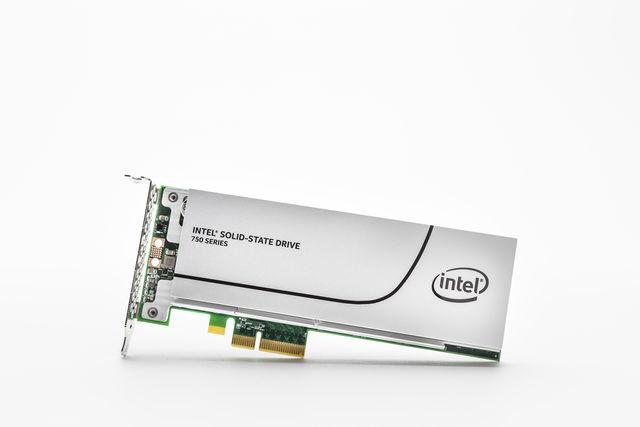 Intel setzt mit der SSD 750 Serie einen neuen Maßstab
