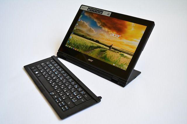 Windows Tablet mit Tastatur
