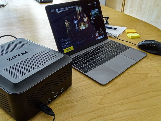 laptop with zotac AMP eGPU in Action